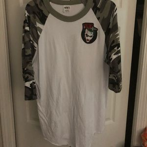 Joker Raglan/baseball shirt